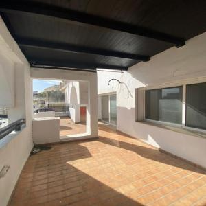 Recessed apartment with terrace for sale in Iberia